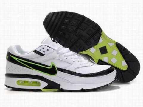 sports shoes d9e52 66921 Ces chaussures sont principalement trouvés dans des matériaux tels que le  cuir terne, peau de serpent, veau, cuir verni, suède, satin, tissu, ...